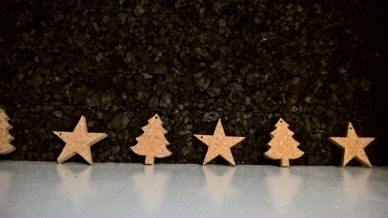 Maak kans op een met kurk versierde alternatieve kerstboom (kurkeik)